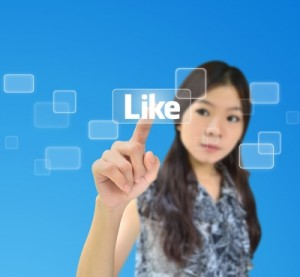 SocialMediaLike 300x277 Social Media: 3 Things Teenagers Can Teach Business About Getting It Right